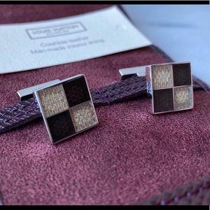 🛍 RARE Louis Vuitton Damier 4 Silver Cufflinks